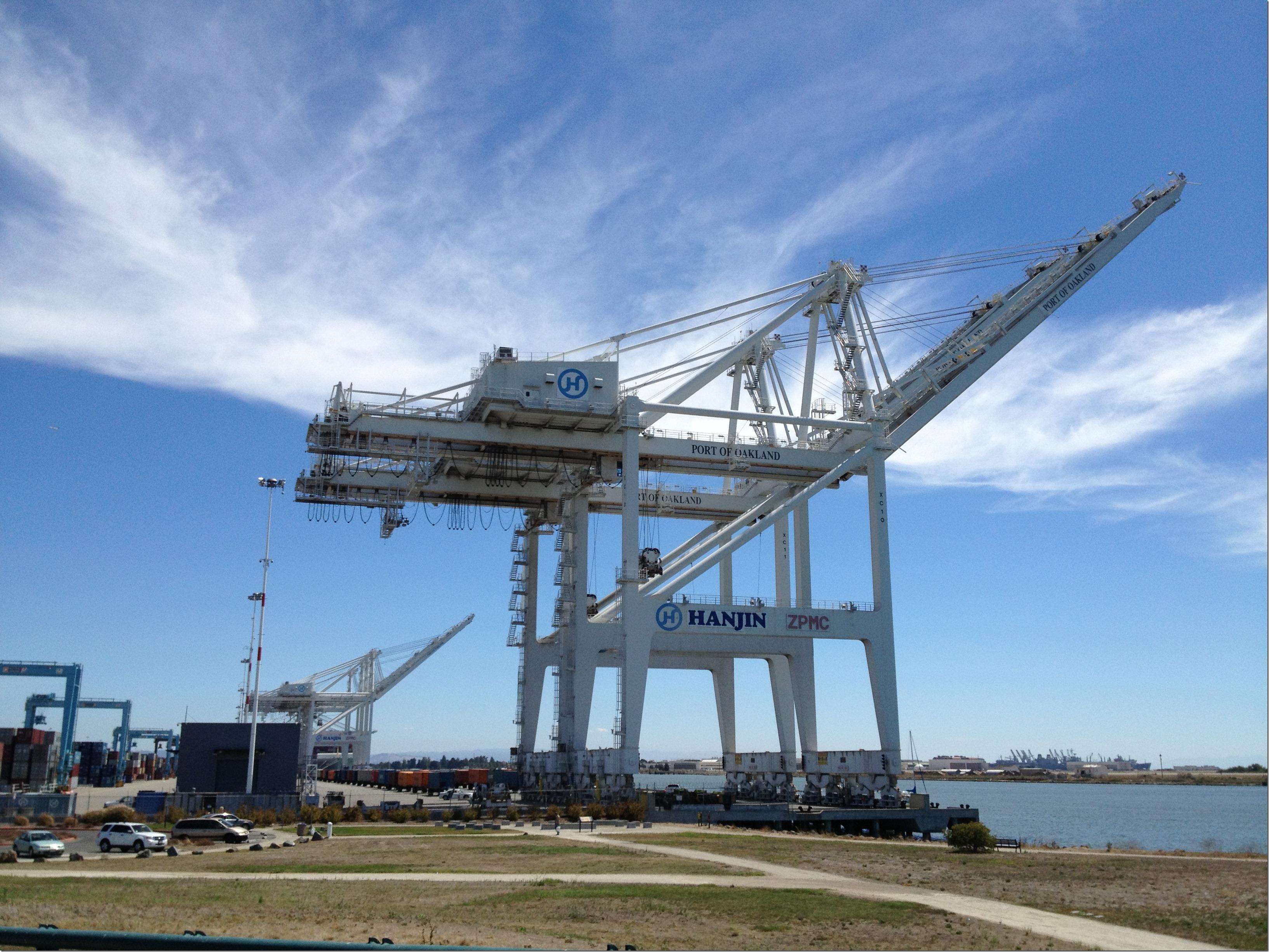 Oakland Crane 1
